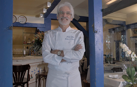 Rodrigo Fonseca, chef do Taste-Vin, aborda o espaço gourmet do Edifício Jardins